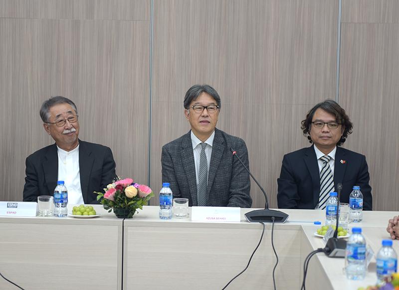 Ông Koji YANAGIDA - Giám đốc điều hành phát biểu tại buổi lễ (ở giữa)
