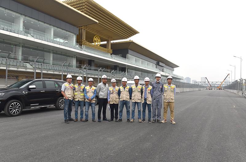Chủ tịch HĐQT kiểm tra công trường và chụp ảnh với đoàn TVGS CONINCO tại dự án