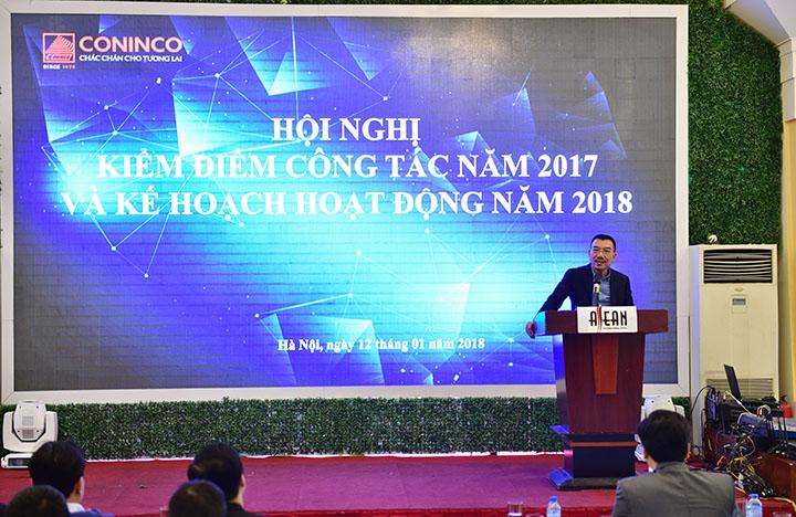 Chủ tịch HĐQT Nguyễn Văn Công phát biểu kết luận tại hội nghị.