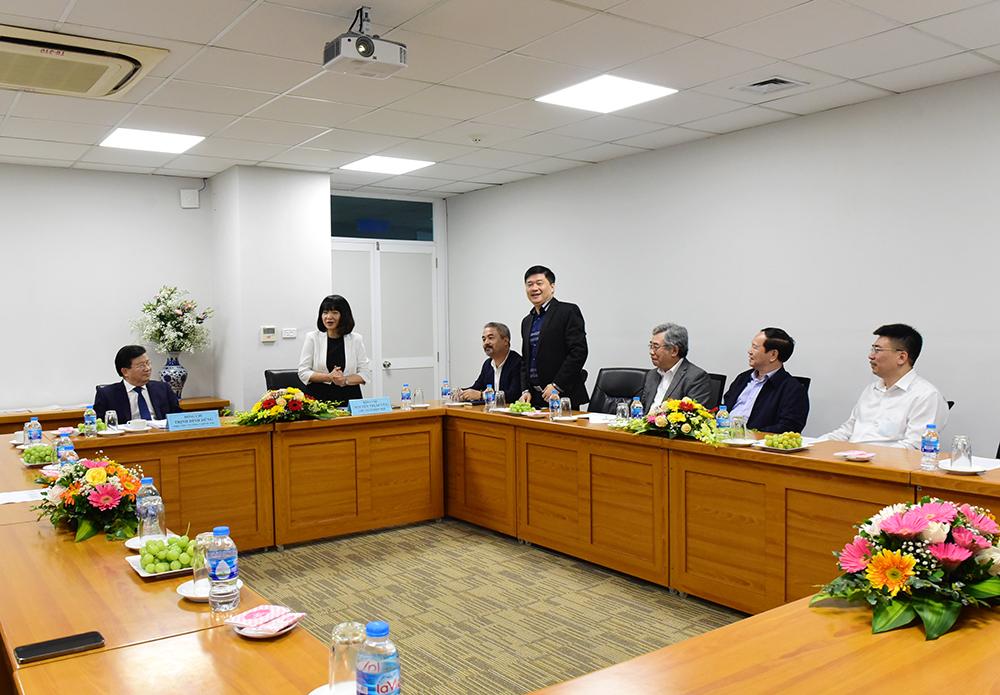 Ủy viên Ban thường vụ VECAS, Tổng Giám đốc CONINCO TS. Hà Minh (thứ 4 từ phải sang) tại buổi đón tiếp Phó Thủ tướng Trịnh Đình Dũng