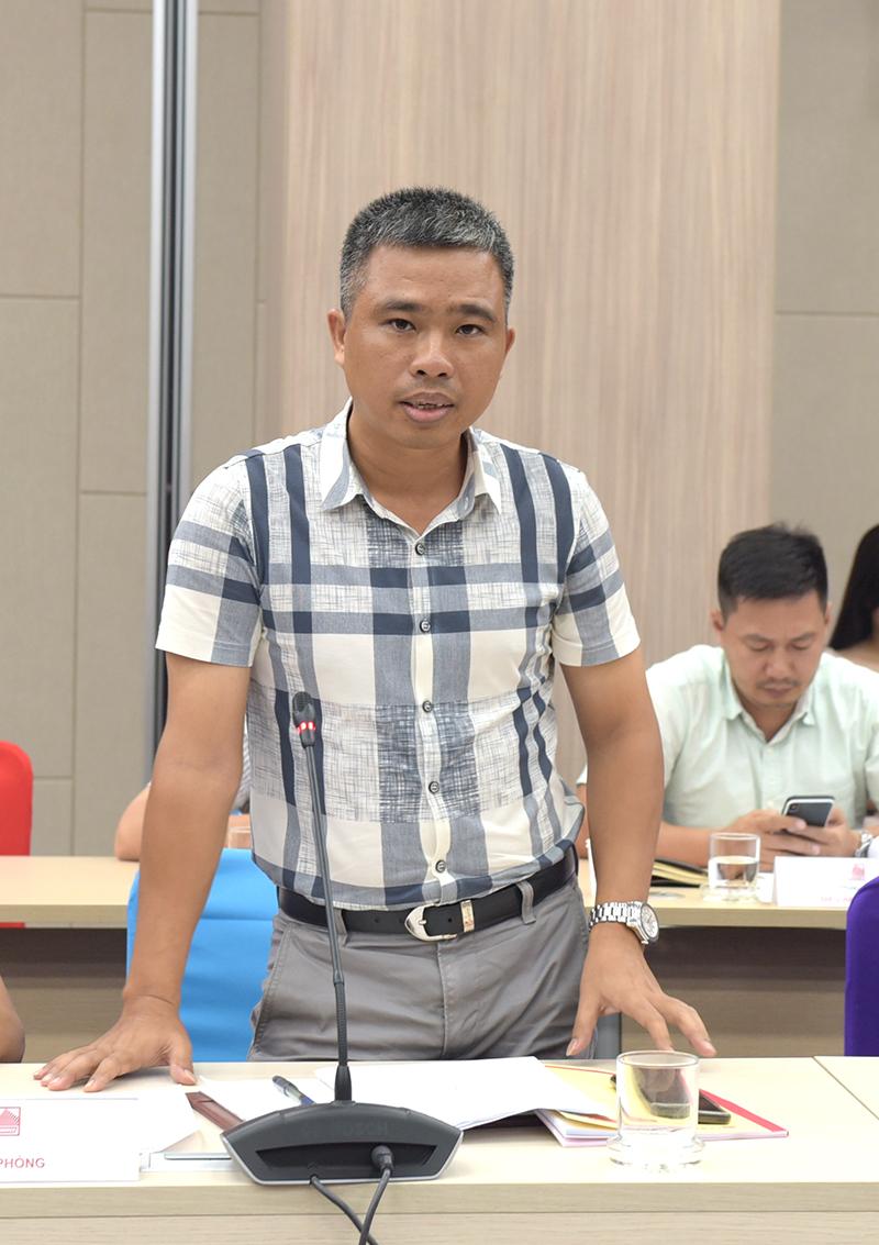 Ông Nguyễn Tiết Doát – Chánh Văn phòng báo cáo công tác văn phòng và quản lý tòa nhà