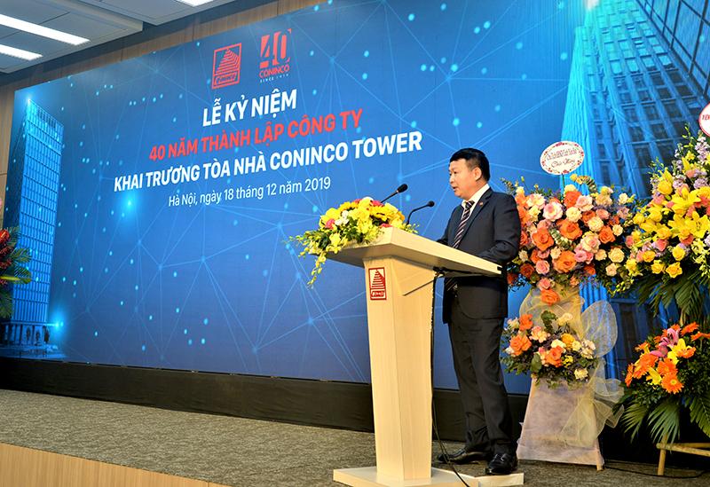 Ông Nguyễn Mạnh Tuấn – Phó Tổng Giám đốc, Giám đốc BQLDA CONINCO TOWER báo cáo quá trình xây dựng CONINCO TOWER