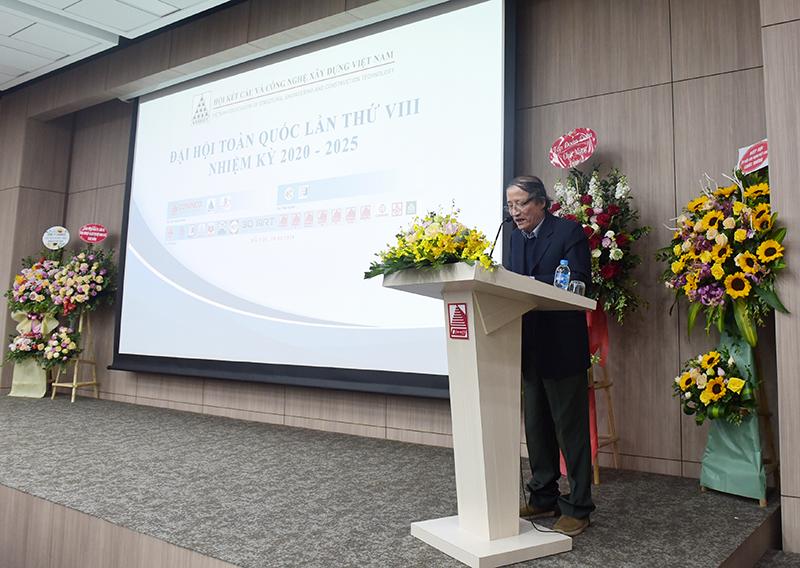 GS. TSKH Nguyễn Văn Liên – Chủ tịch Hội phát biểu tại Đại hội