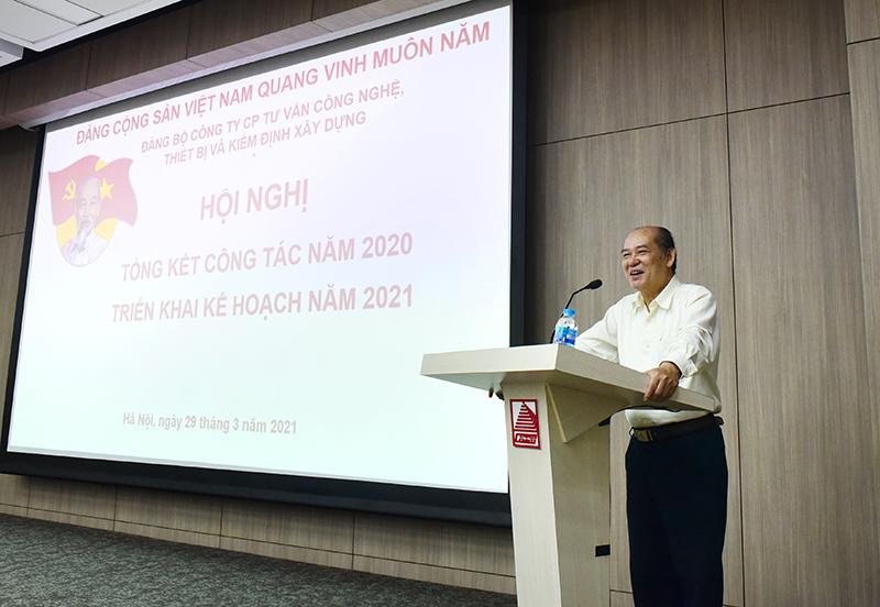 Đồng chí Nguyễn Đức Hà – Nguyên Vụ trưởng Ban Tổ chức Trung ương phổ biến, quán triệt các nội dung chính Nghị quyết Đại hội lần thứ XIII của Đảng