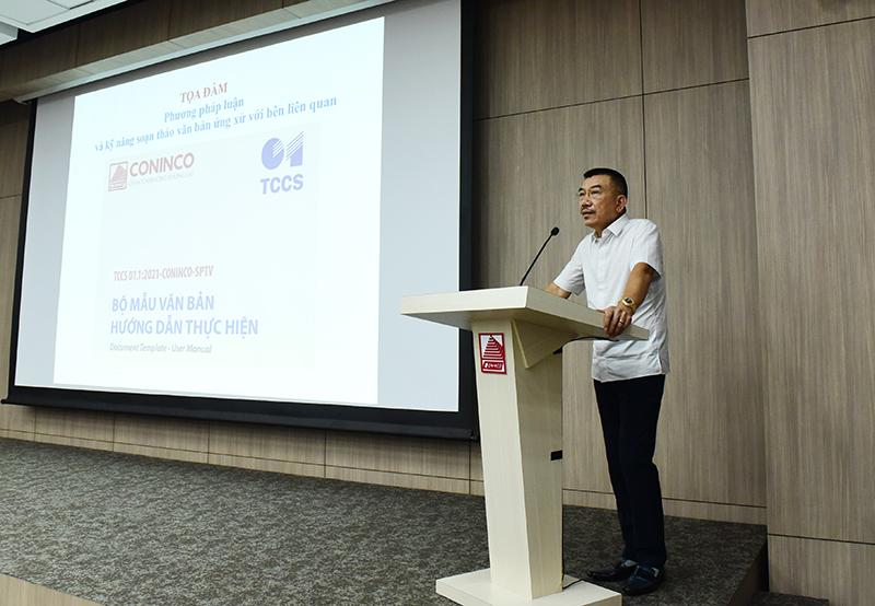Chủ tịch HĐQT Nguyễn Văn Công phát biểu khai mạc buổi tọa đàm