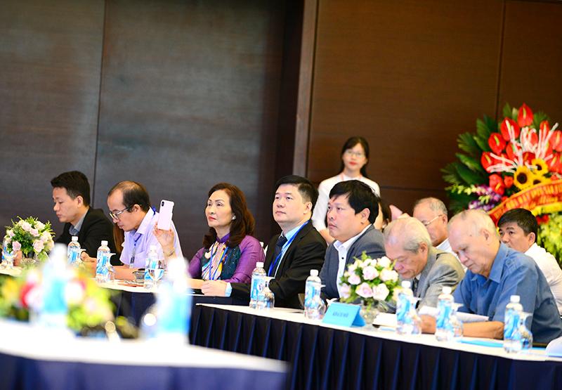 TS. Hà Minh – Tổng Giám đốc CONINCO được BCH nhiệm kỳ mới bầu vào Ban thường vụ Hiệp hội